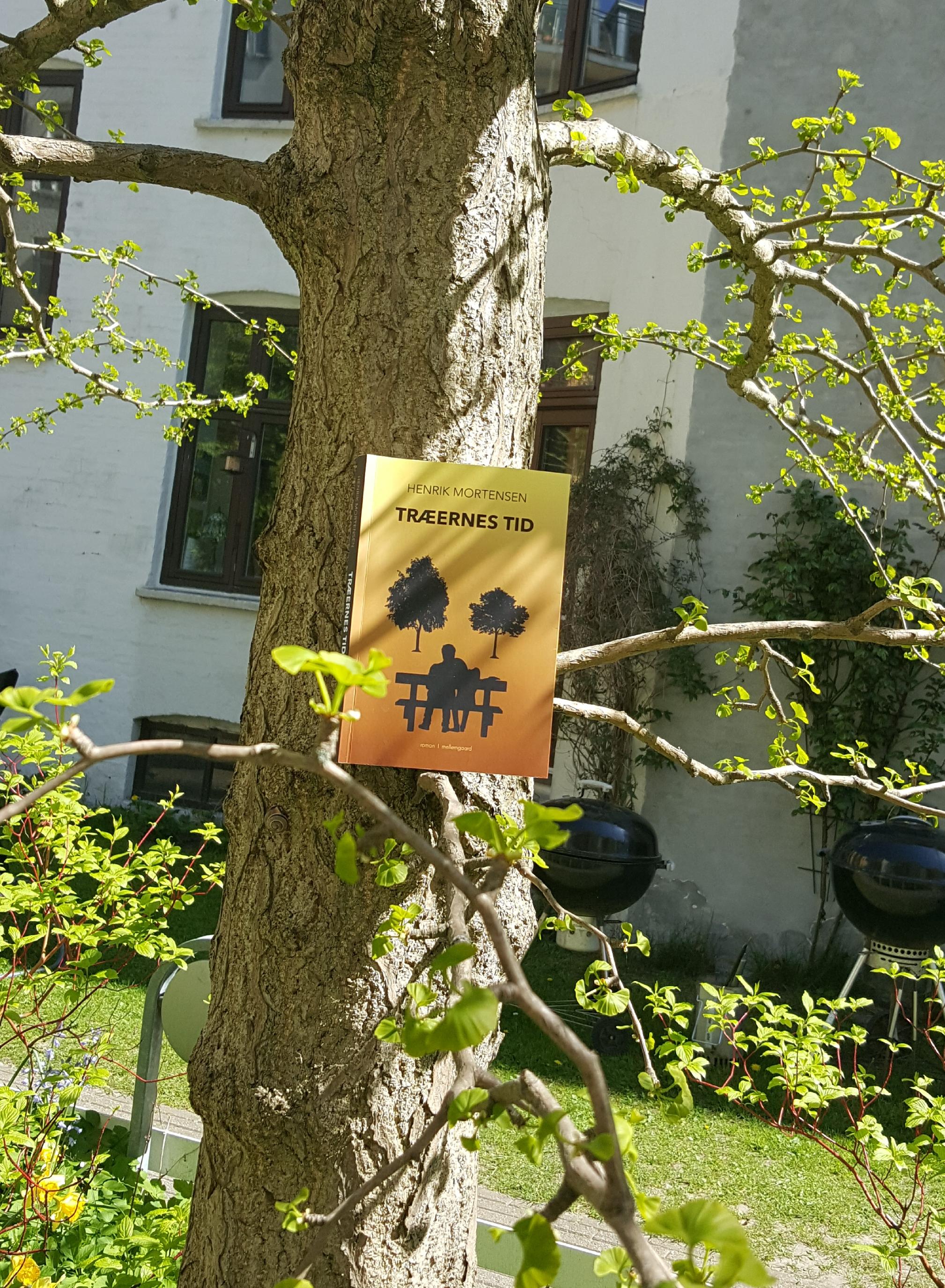 Træernes tid af Henrik Mortensen