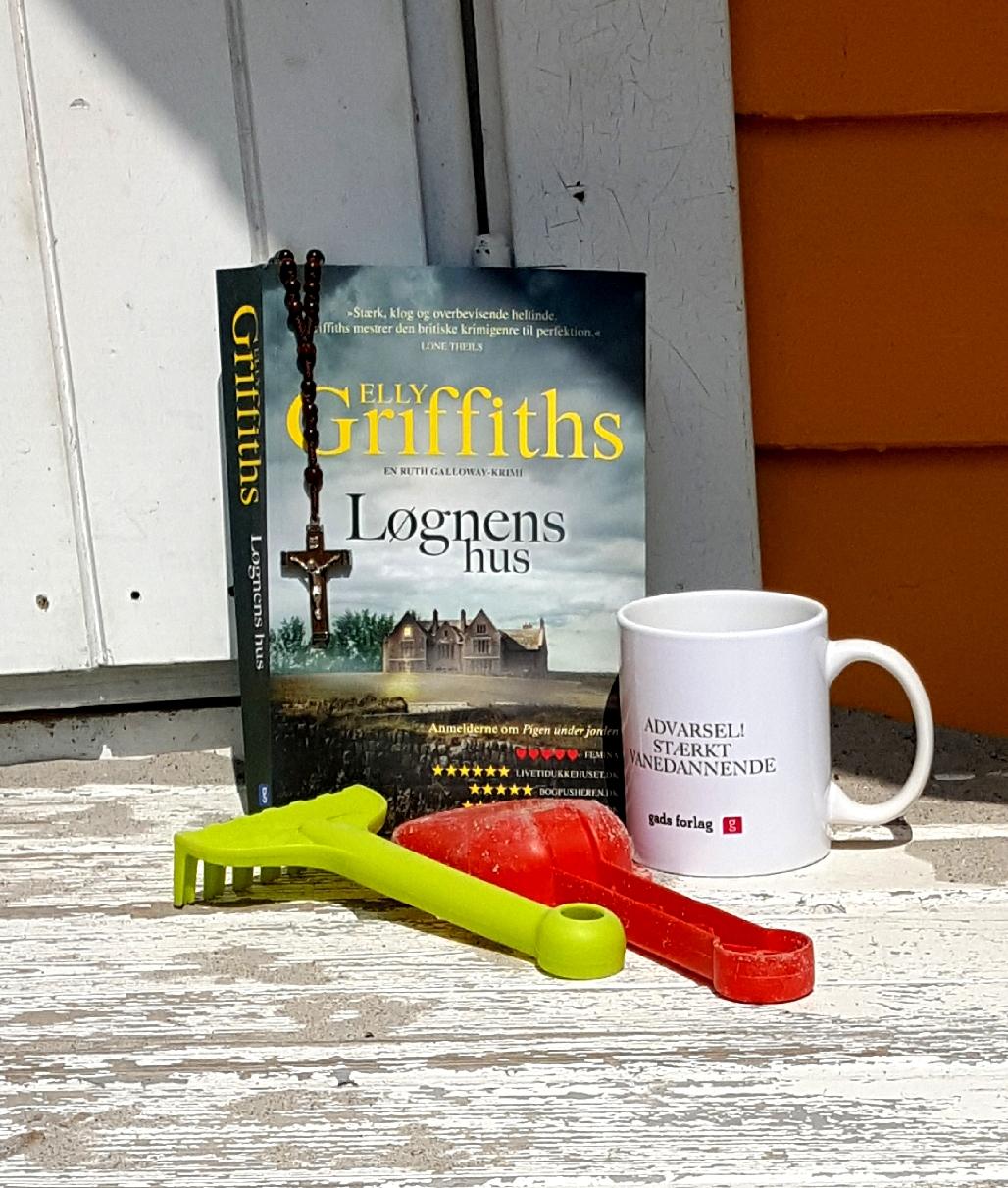 Løgnens hus af Elly Griffiths – og konkurrence