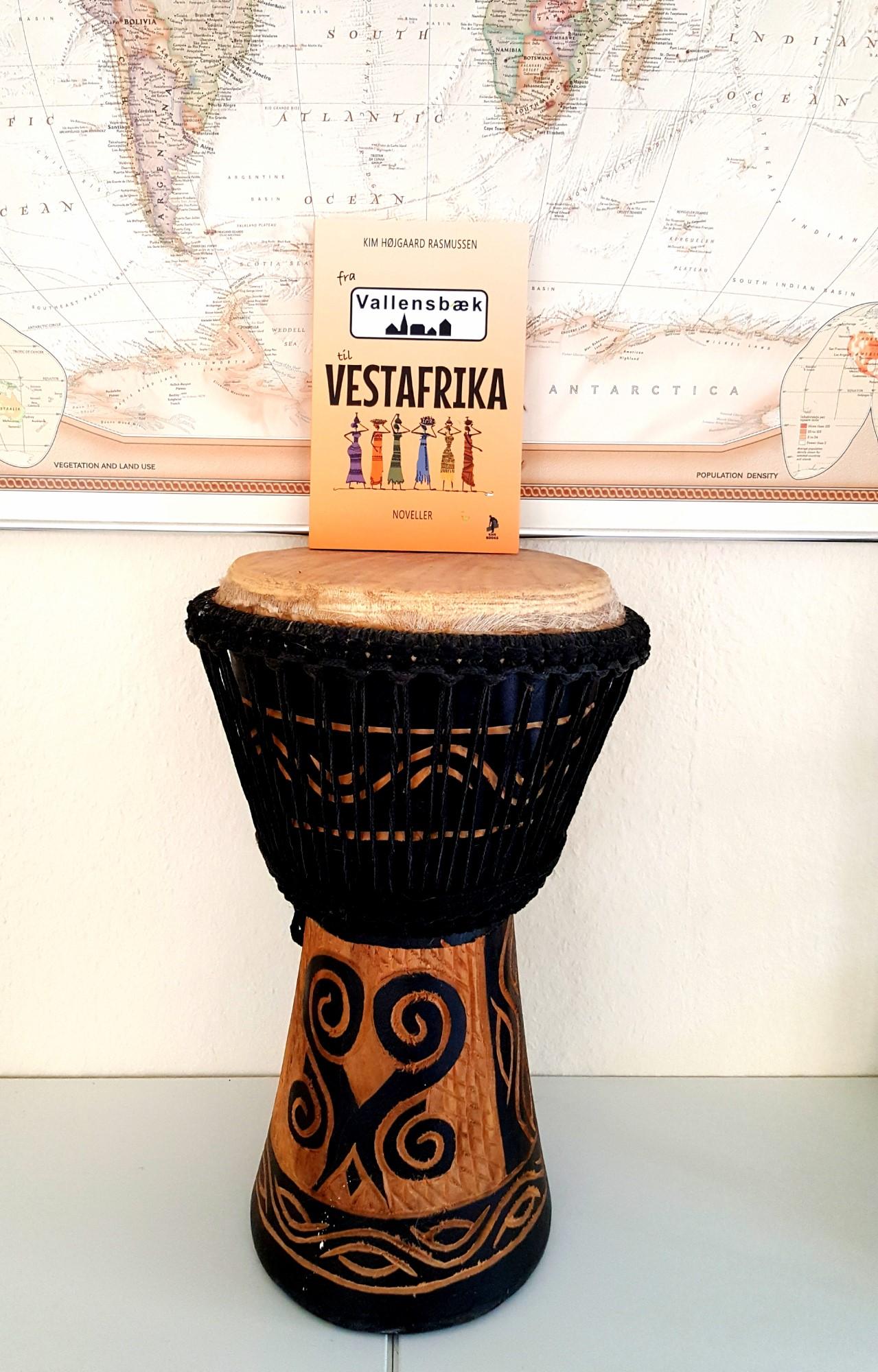 Fra Vallensbæk til Vestafrika  af Kim Højgaard Rasmussen