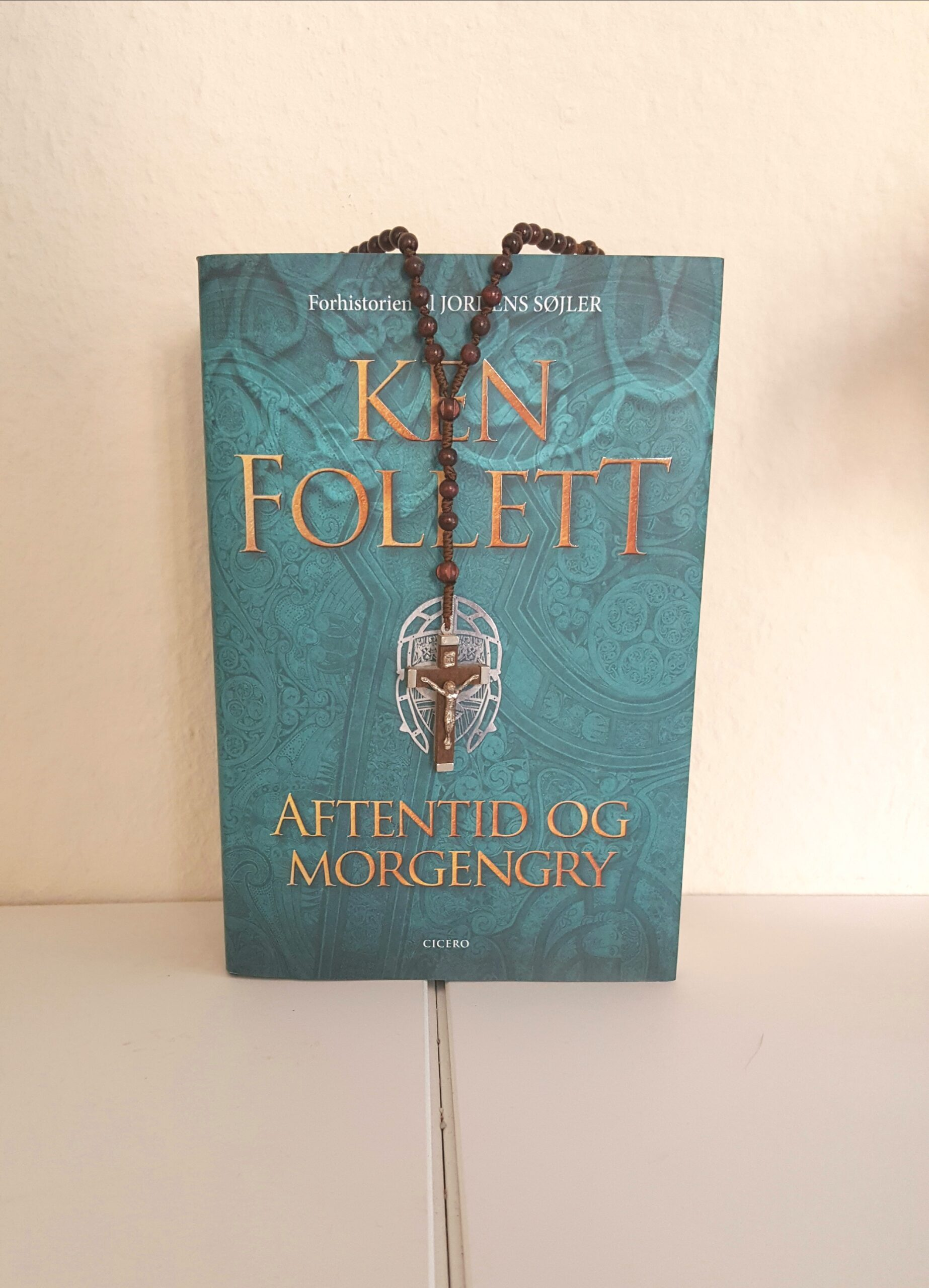 Aftentid og morgengry af Ken Follett